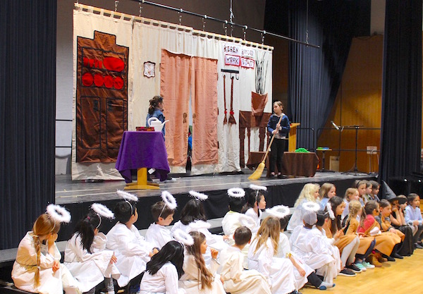 Hansel and Gretel Assembly at the International School of Hamburg