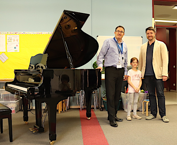 ISH receives a new grand piano